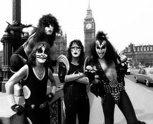 Kiss photo from 1976 added.